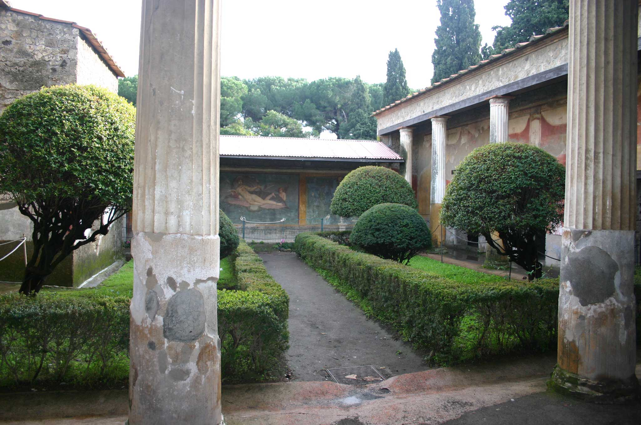 Pompeii - Villa Courtyard - © William Mackesy