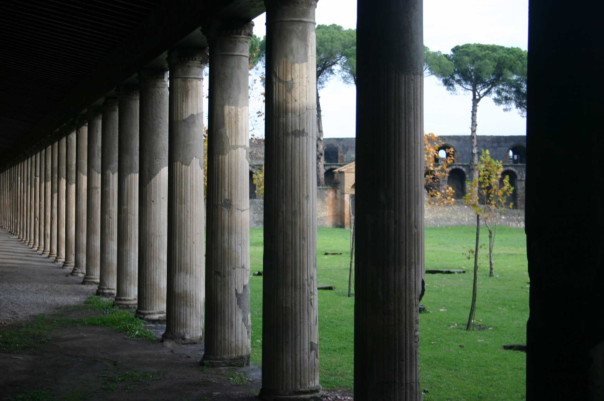 Pompeii - Palaestra, collonade - © William Mackesy
