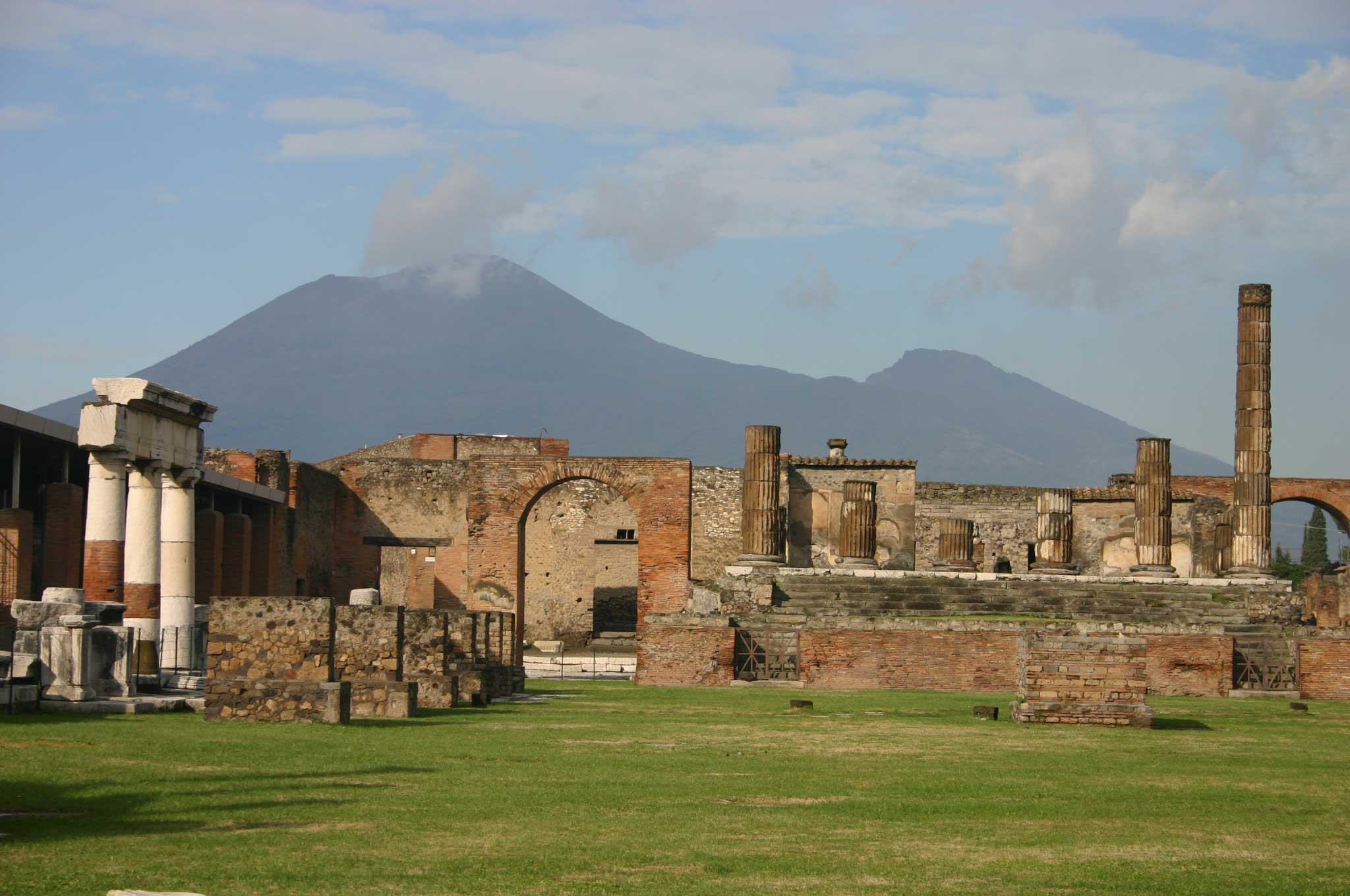 Pompeii - towards Vesuvius - © William Mackesy