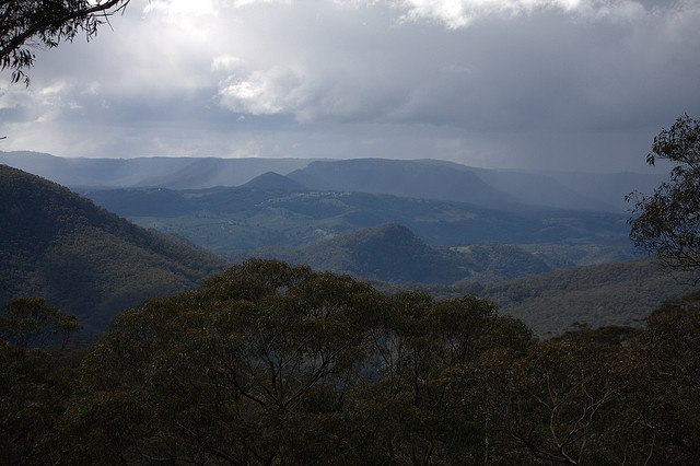 The Blue Mountains - © Flickr user Neil Saunders