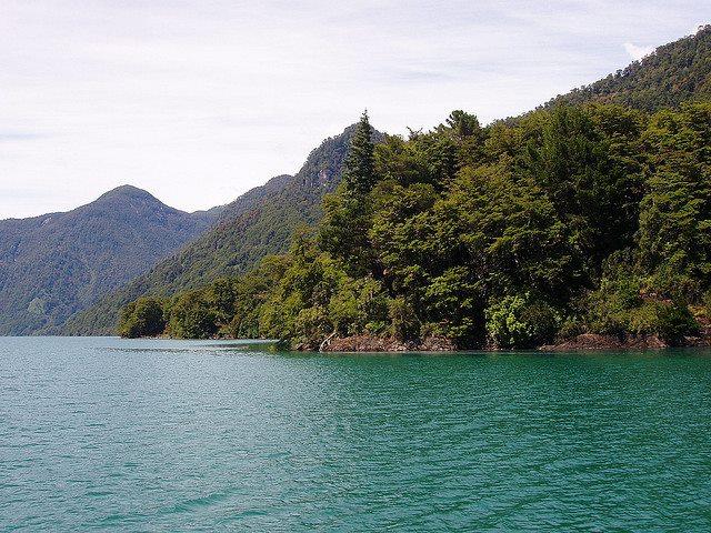 Lago Todos los Santos - © Flickr user reydepersia