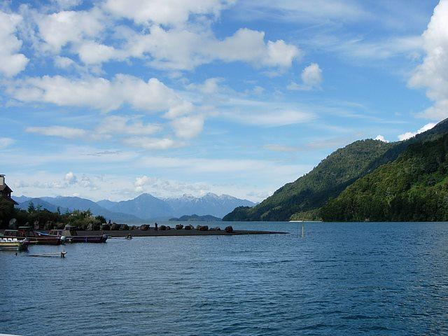 Chile Patagonia: Vicente Perez Rosales NP, Termas de Callao, Lago Todos los Santos, Walkopedia