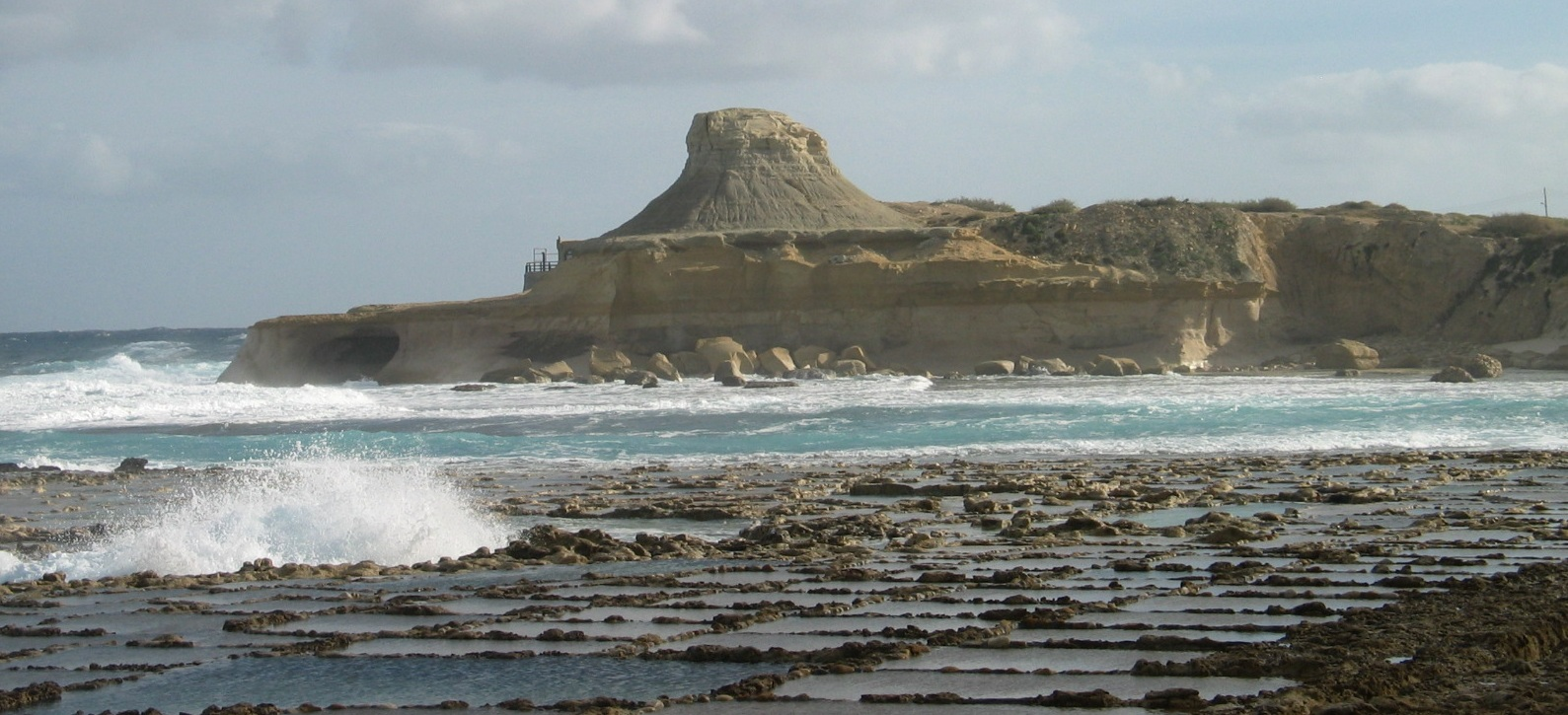 Malta, Gozo Coastal Walk, Xwejni Bay, Walkopedia