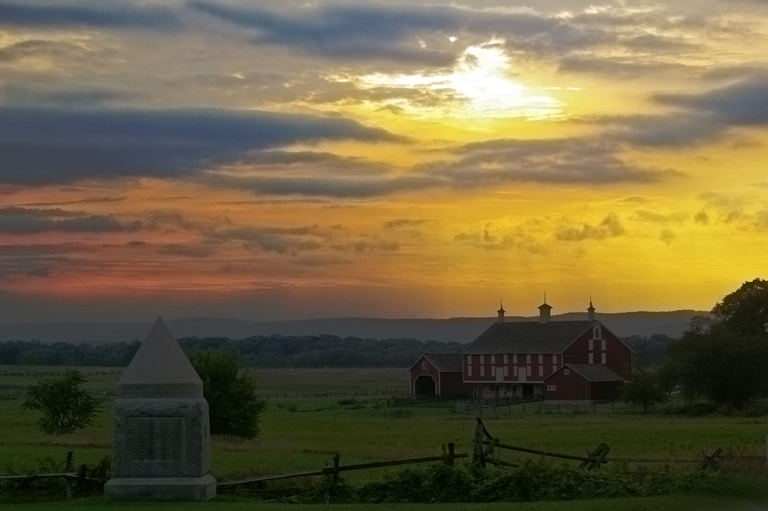 Gettysburg: Burst of colour over Cemetary Ridge - © Flickr user Jen Goellnitz