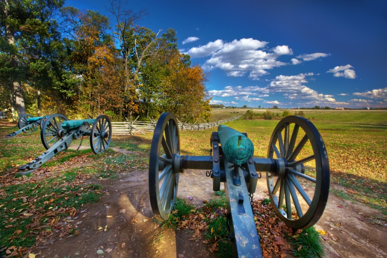 Civil War Cannons on Seminary Ridge - © Flickr user Daniel Peckham