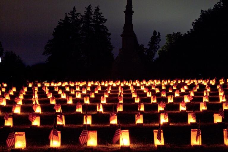 Gettysburg: Gettysburg Luminaries - © Flickr user Beau Considine
