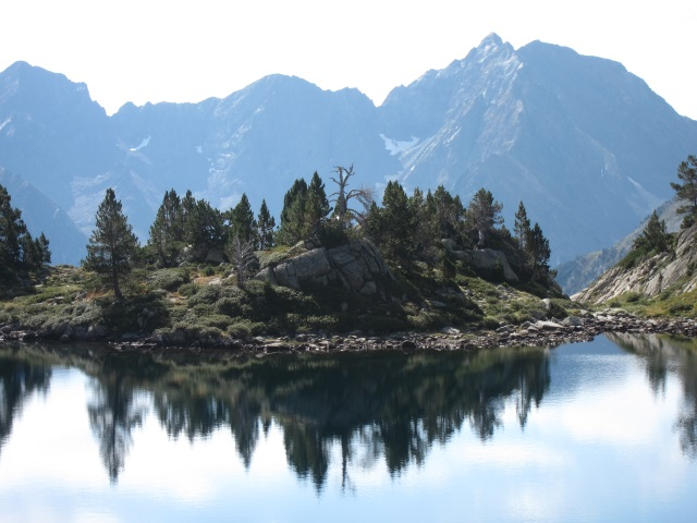 Lake just below Col de Madamete - © William Mackesy