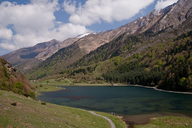 "Vallee d'Estaing: Lac d""Estaing - © Flickr user Etienne Valois"
