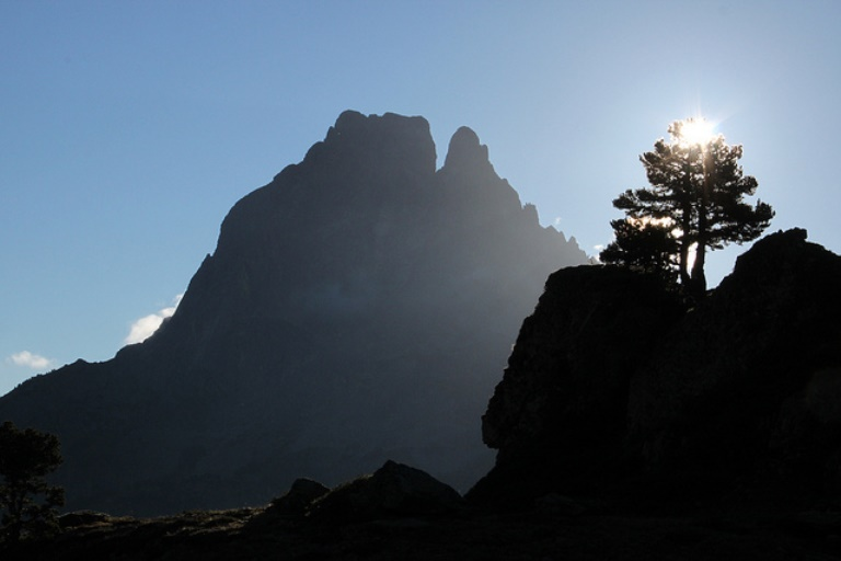 France Pyrenees, Pic du Midi d'Ossau, Pic du Midi d'Ossau, Walkopedia