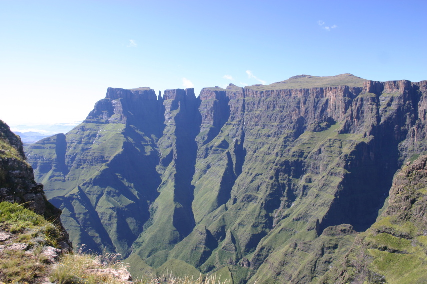 Drakensberg Escarpment: Drakensberg Escarpment - Across the Amphitheatre - © William Mackesy