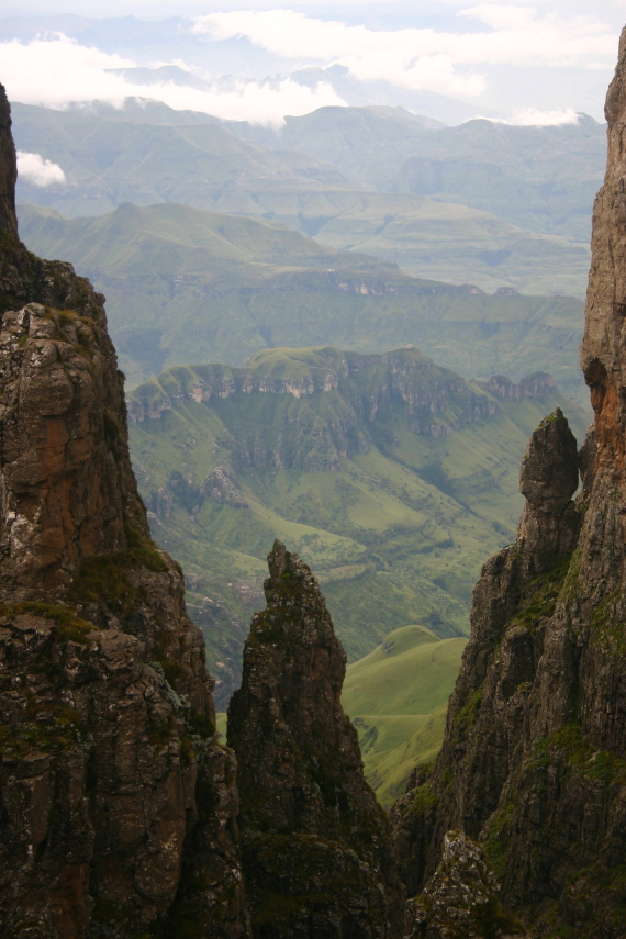 Drakensberg Escarpment: Drakensberg Escarpment - From Mponjwane - © William Mackesy