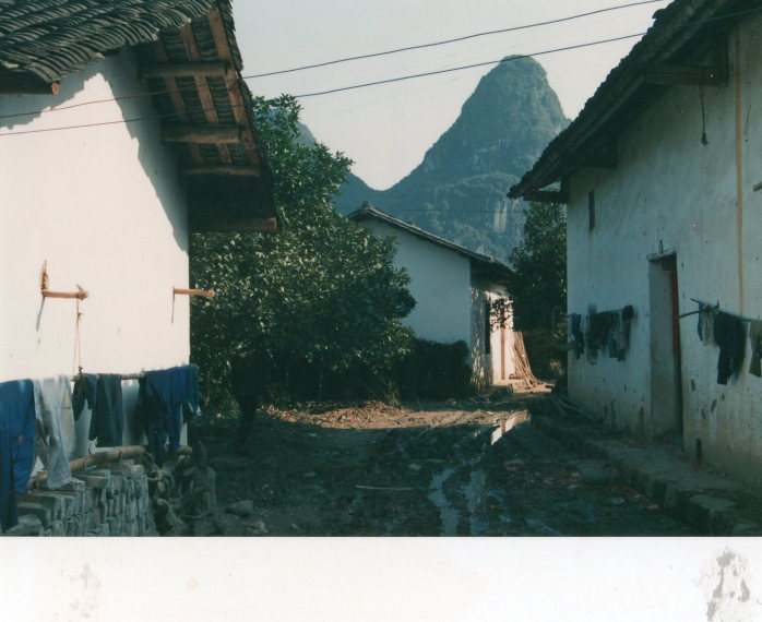 Around Yangshuo, Guilin - 1989 - © William Mackesy