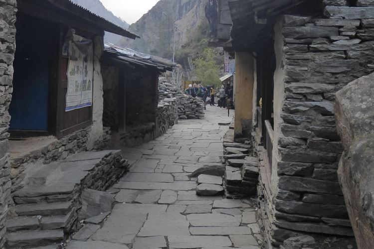 Manaslu Circuit: Streets of Jagat - © Dick Everard
