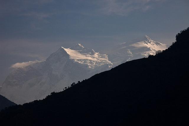 Manaslu Circuit: Manaslu Circuit - Manaslu From the village of Ngadi - © Copyright Flickr User gregw66