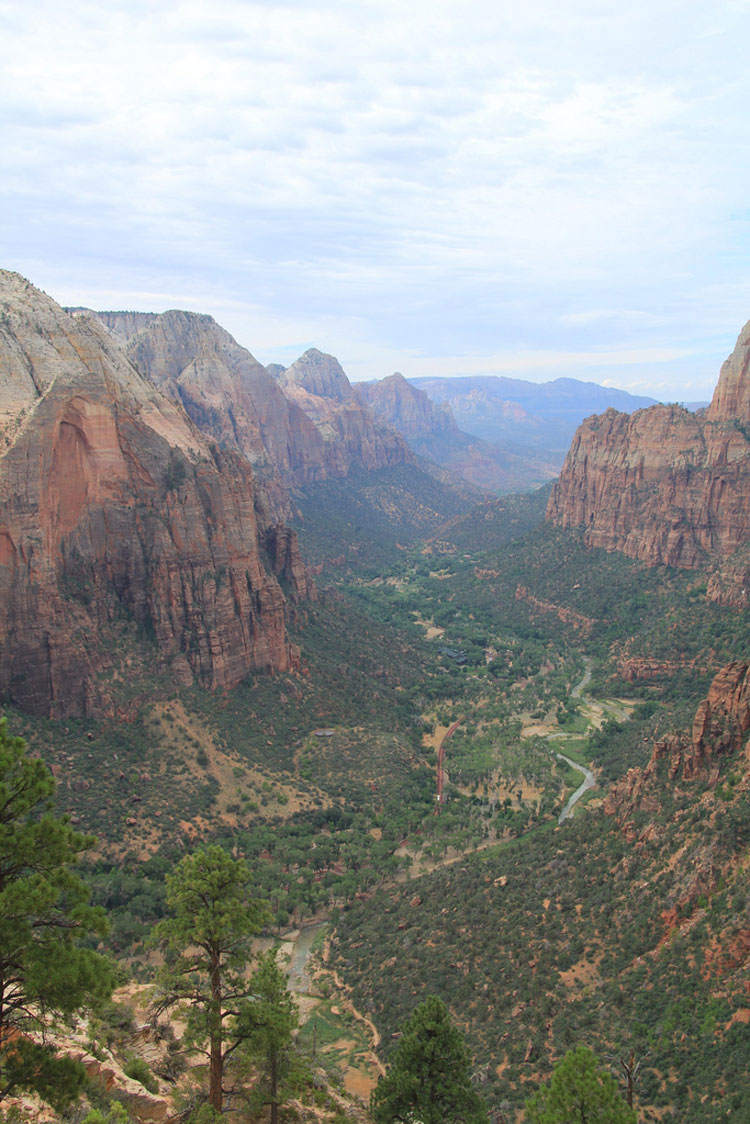 "South from Angel""s Landing - © By Flickr user eunmind"