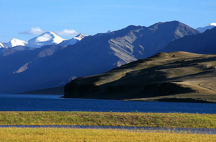 Lake Tso Moriri - © By Flickr user Mielna