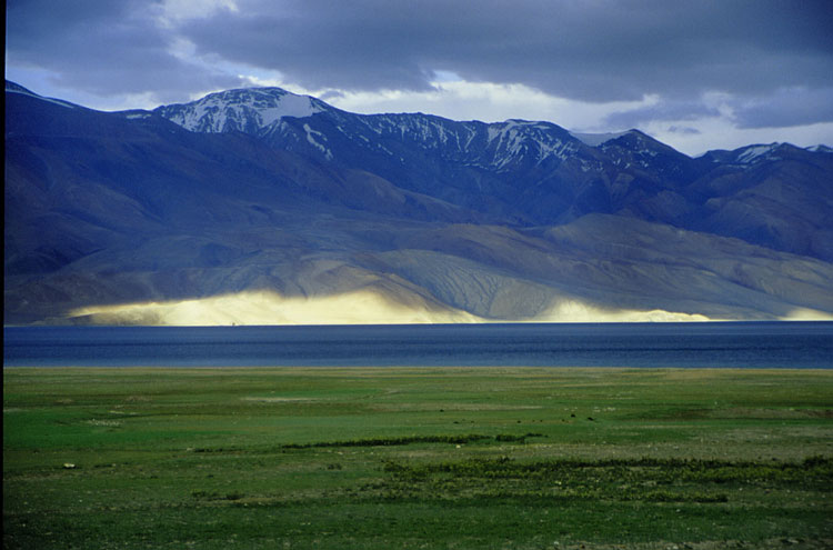Tso Moriri Lake - © By Flickr user CortoMaltese_1999