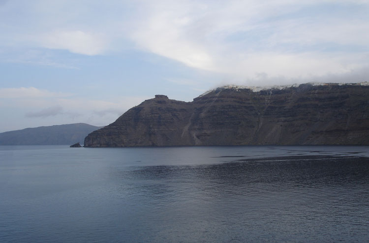Caldera Rim, Santorini: Santorini, Greece - © By Flickr user lyng883