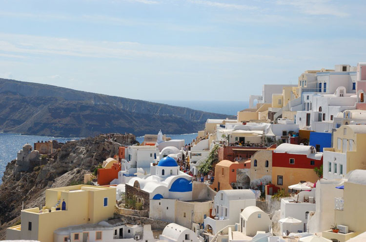 Caldera Rim, Santorini: Oia, Santorini - © By Flickr user BluEyedA73