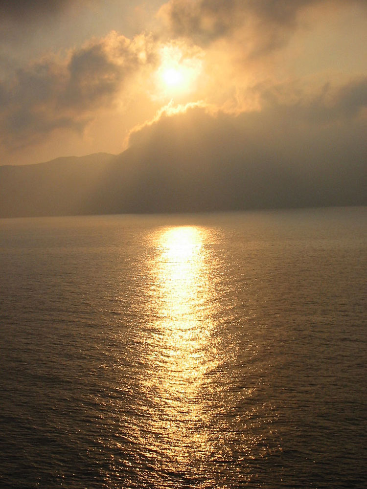 Sunrise, Santorini - © By Flickr user Pugwash