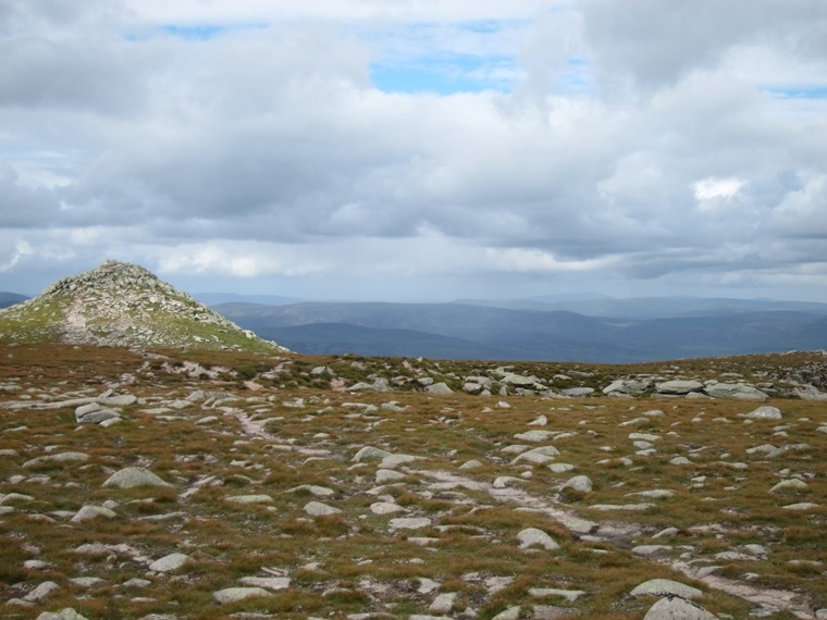 Lochnagar and Loch Muick: Approaching Lochnagar summit - © William Mackesy