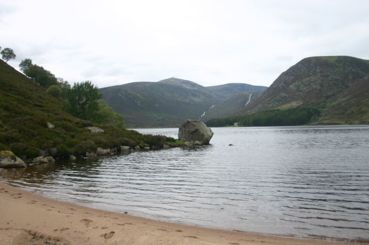 Loch Muick beach - © William Mackesy