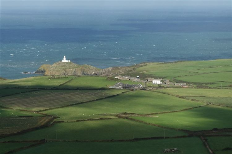 Pembrokeshire Coast Path: Pembrokeshire Coastal Path: Strumble Head Lighthouse - © Christopher J. Etchells