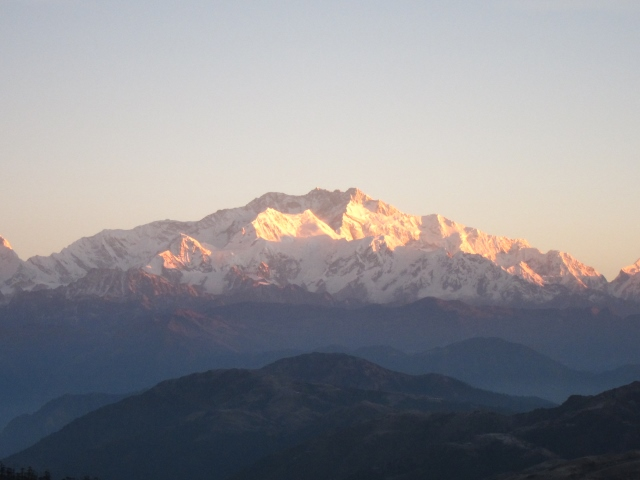 India Sikkim and nearby, Singalila Ridge, Sandakphu, early light on Kanchenjunga, Walkopedia