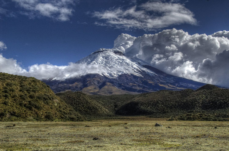 Cotopaxi - © By Flickr user Alepheli