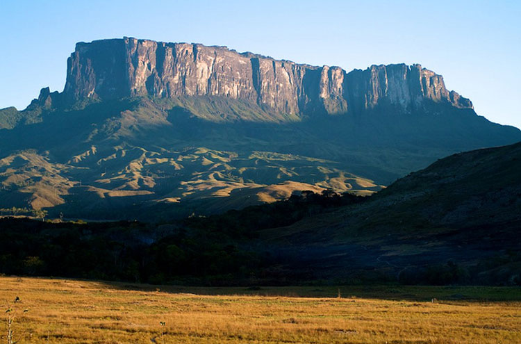 Mount Roraima - © From Flickr user PaulaFassina