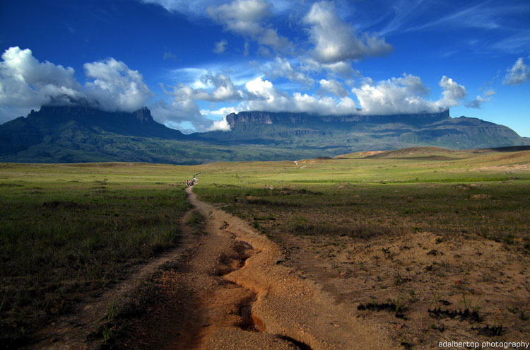 Road to Roraima - © From Flickr user Adalbertop