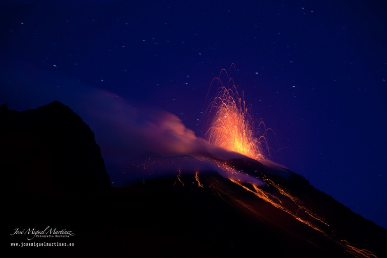 Stromboli: Nighttime eruptions of Stromboli  - © flickr user- Jose Miguel