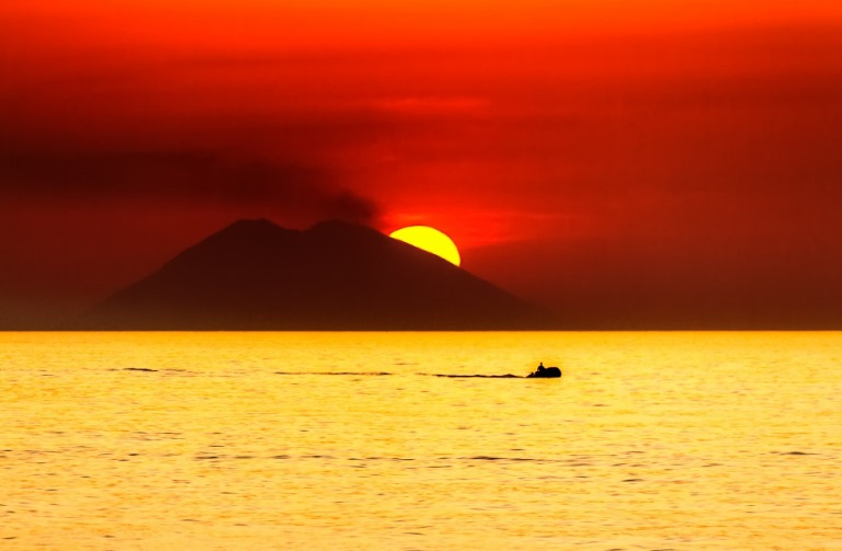 Stromboli: © flickr user- castgen