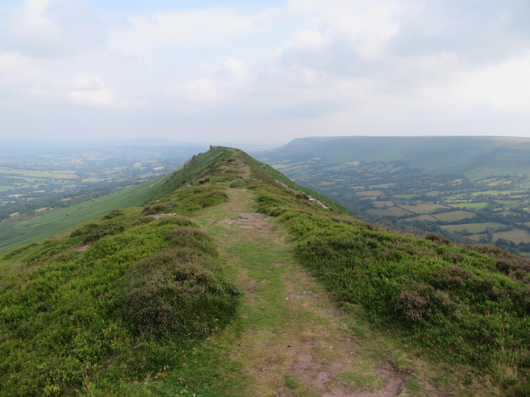 United Kingdom Wales Black Mountains, Hatterrall Ridge, Along Black Hill ridge, Walkopedia