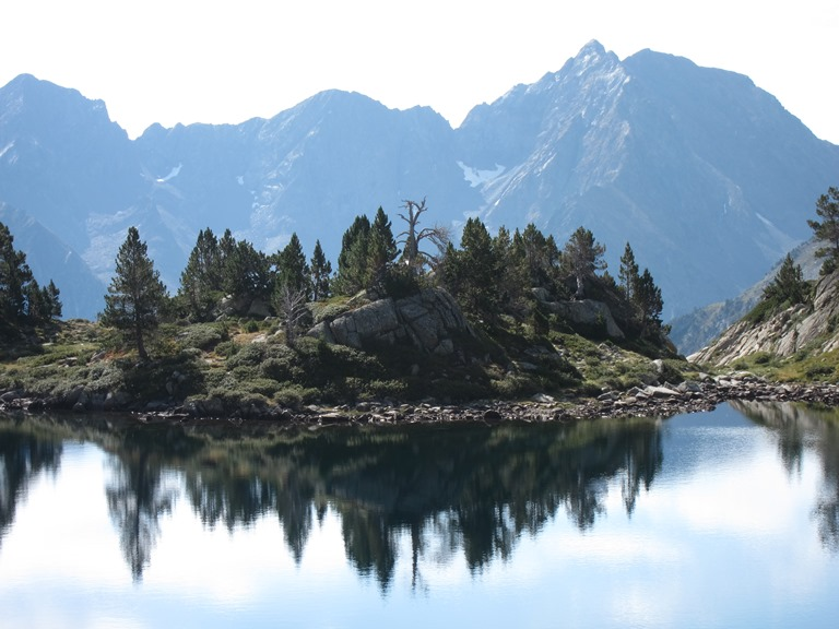 GR10:  Neouvielle,  Lake just below Col de Madamete - © William Mackesy