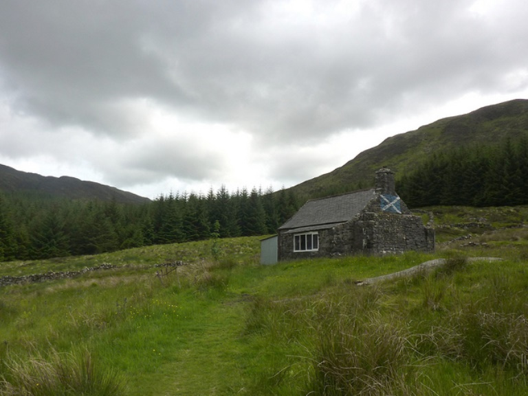 Southern Uplands Way: White Laggan Bothy - © flickr user Andrew Bowden