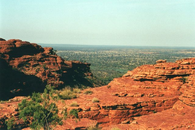 Australia Northern Territory, West Macdonnell Ranges, From platform above King's Canyon, Walkopedia
