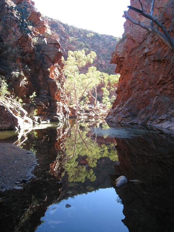 Australia Northern Territory, West Macdonnell Ranges, Serpentine Gorge, Walkopedia