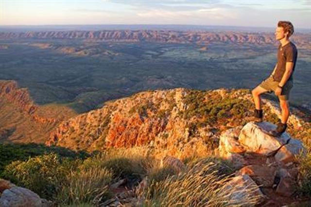 Australia Northern Territory, West Macdonnell Ranges, Mount Sonder Summit, Walkopedia