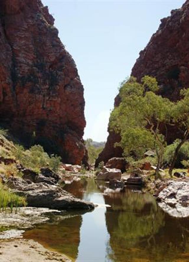 Australia Northern Territory, West Macdonnell Ranges, Simpsons Gap, Walkopedia