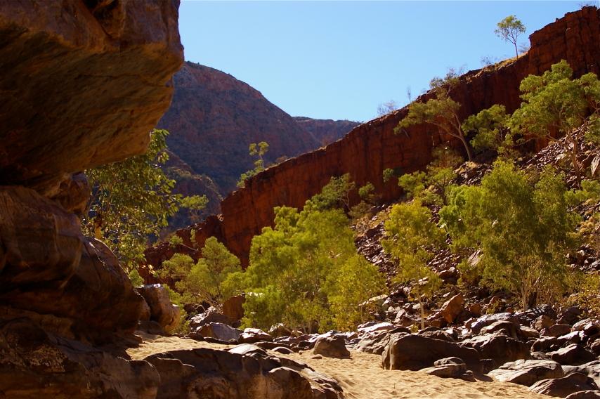 Australia Northern Territory, Ormiston Gorge and Pound, Ormiston Gorge Sand, Walkopedia