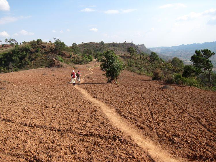 South East Asian Hill Tribe Walks: Along Shan Plateau edge - © William Mackesy