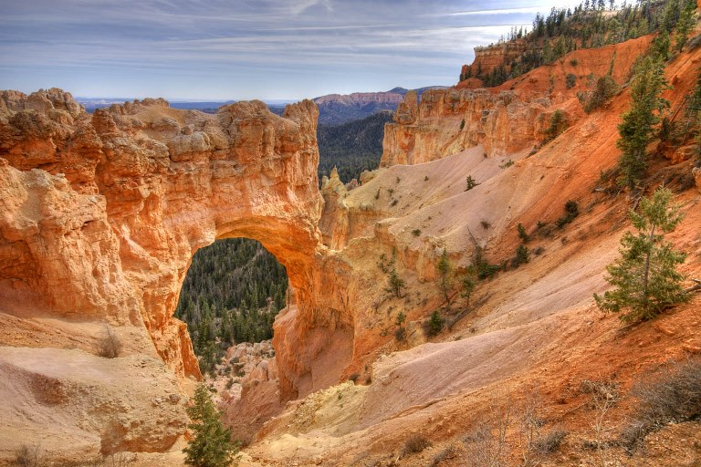 USA SW: Bryce Canyon, Bryce Canyon, Natural Bridge Point - Bryce, Walkopedia