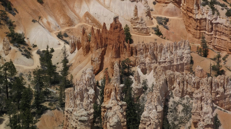 Fairyland Loop Trail, Bryce Canyon  - © WalshTD flickr user