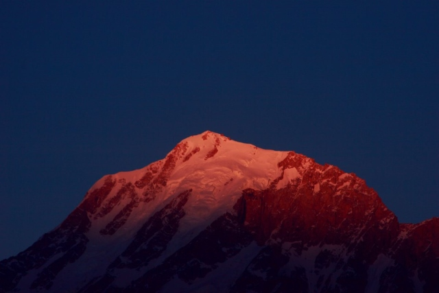 Kinnaur Kailash sunset - © Flickr user Nikhil.Hirurkar