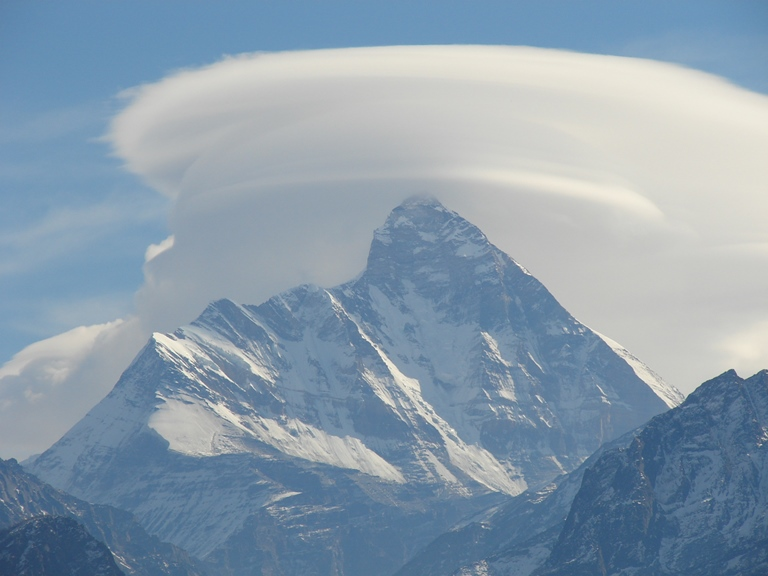 Nanda Devi, Lenticular Cloud  - © flickr user Shikhar Sethi