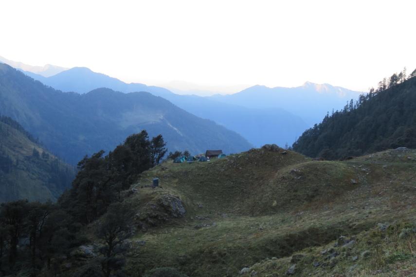 India NW: Uttarakhand/Garwhal, Kuari Pass (Curzon Trail) , Campsite below Kuari Pass , Walkopedia