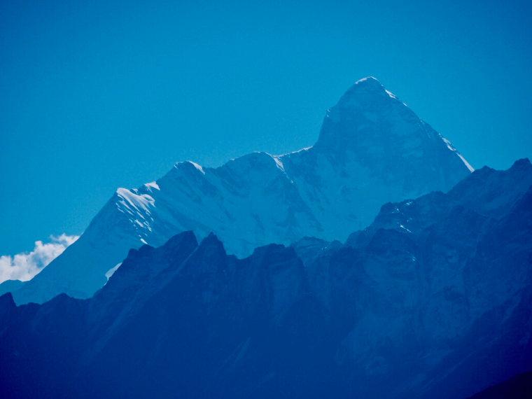 India NW: Uttarakhand/Garwhal, Kuari Pass (Curzon Trail) , Nanda Devi, blue light , Walkopedia