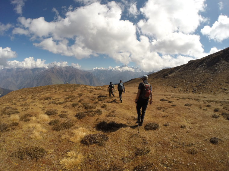 Kuari Pass (Curzon Trail) : One the ridge above the trail, day 5  - © Robin Bevan