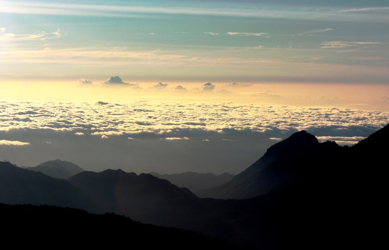 Dawn from Mt. Ramelau, Timor Leste  - ©  kate dixon flickr user